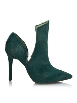 Her heels sound like Jazz (Green)