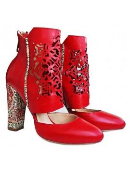 Botine rosii, din piele naturala, inspirate din cultura Persana